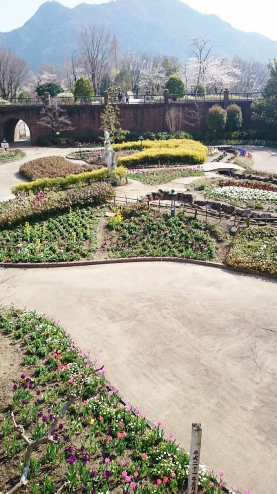 長良公園中庭