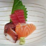 タコと鮭とマグロの刺身
